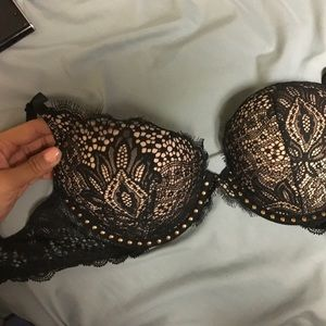 Victoria's Secret 32D bombshell bra super sexy